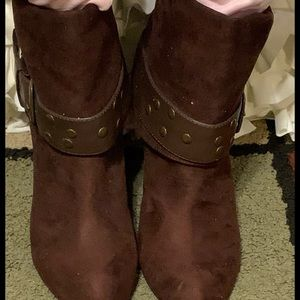 Ladies Kenneth Cole Ankle Boots